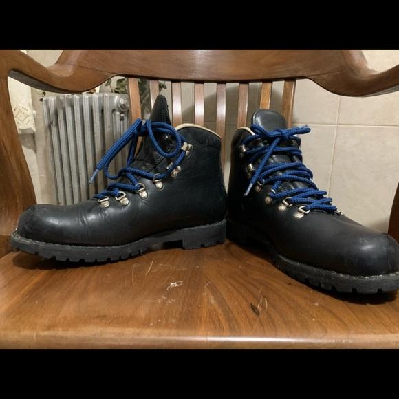 Men's wilderness Merrell boots M10